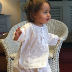 Flower embroidered kaftan